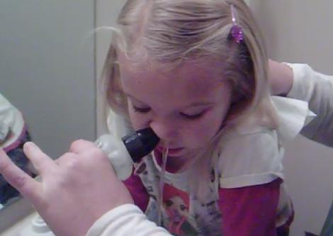 Bình rửa mũi trẻ em Neilmed .2
